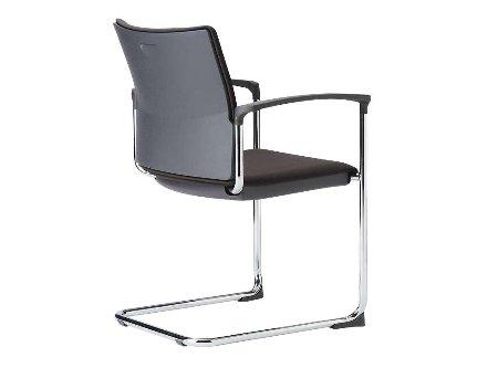 役員室で役員用家具と配置するカンチレバー型会議椅子