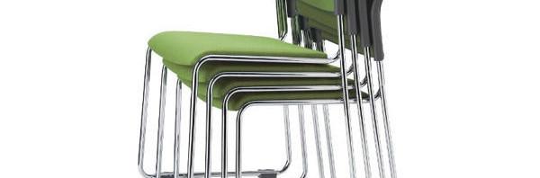 キャスターを付けない作業の現場には固定脚の会議椅子を