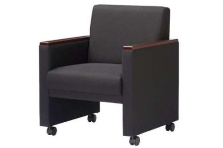 素材感と落ち着いたカラーで応接空間を演出する会議椅子