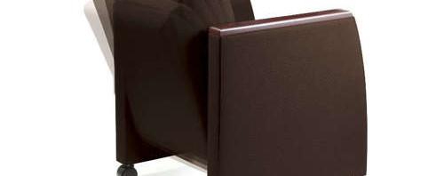 ミーティングにも対応した応接スペースに適した会議椅子